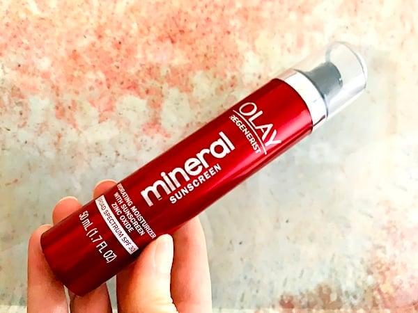Olay Regenerist Mineral Sunscreen Hydrating Moisturizer SPF 30