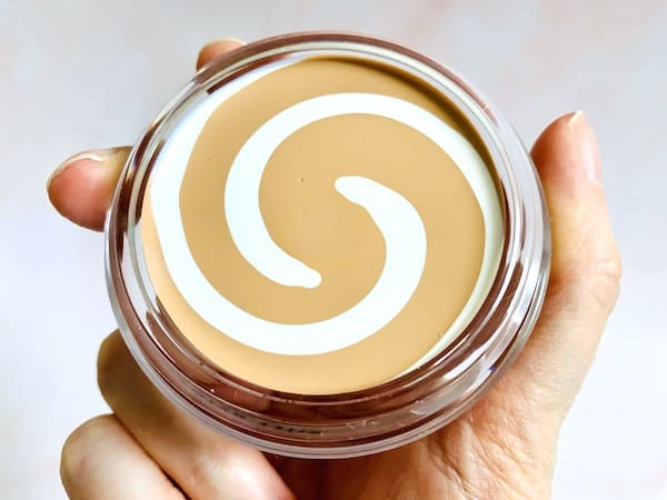 CoverGirl & Olay Simply Ageless Instant Wrinkle Defying Foundation with SPF 28 Opened